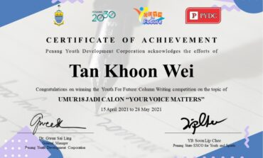 "HCUC student Khoon Wei wins PYDC's ""Umur18 Jadi Calon"" column writing competition"
